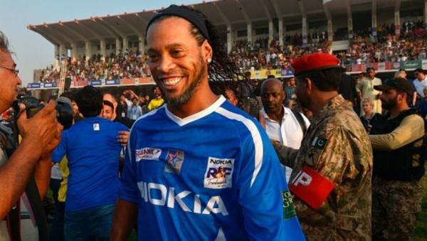 Ronaldinho revela desejo em atuar no Norte ou Nordeste do Brasil