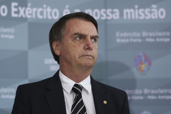 Bolsonaro critica diretor do Inpe e diz que desmatamento não é verdadeiro