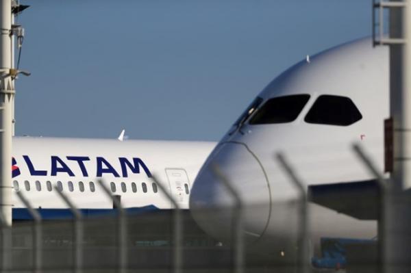 Avião da Latam arremete no Aeroporto Santos Dumont