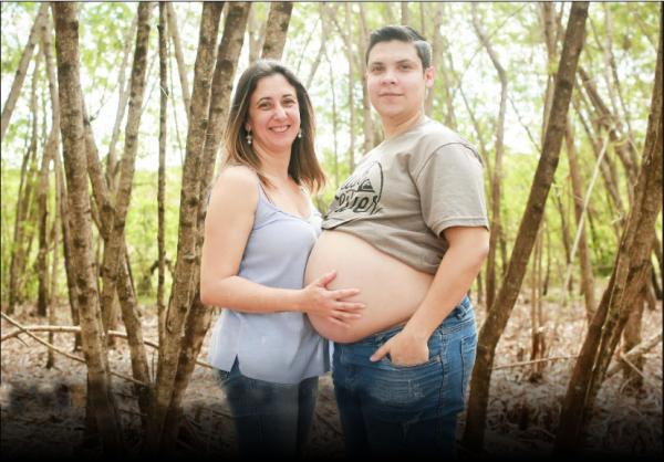 Homem que estava grávido dá à luz Antonella, por cesárea, em Itapira (SP)