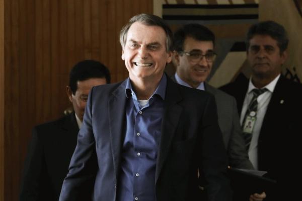 Bolsonaro anuncia desbloqueio de R$ 8,3 bi para Educação e outras pastas