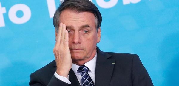 Popularidade de Bolsonaro cai e rejeição aumenta em novo Ibop