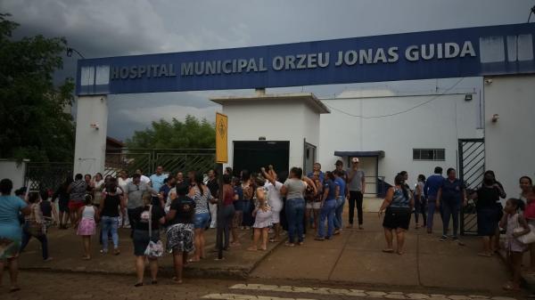 São Félix do Xingu: Servidores da saúde são demitidos e vão as ruas pedir a saída do secretário da pasta.(veja os Vídeos)