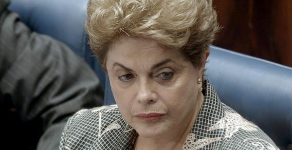 Filme sobre impeachment tem Dilma ovacionada e risadas com Janaína