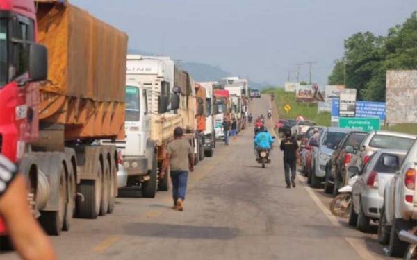 Protesto de garimpeiros já dura dois dias. | Otávio Araújo/Reprodução