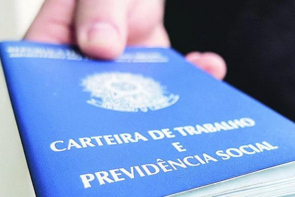 Governo exclui pessoas acima de 55 anos de novo programa de empregos