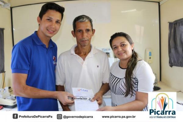 Governo de Piçarra e CISAT realizam atendimentos oftalmológico para a população.