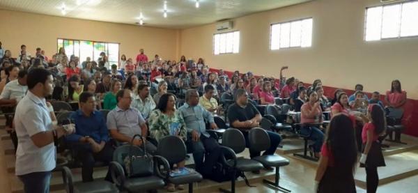 Tucumã recebe educadores do sul e sudeste para discutir construção da base curricular de 2020