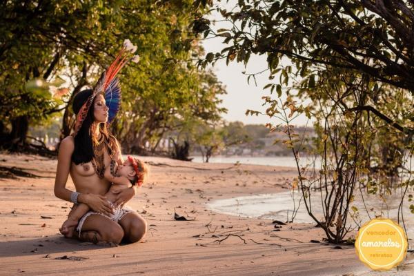 Registro fotográfico de indígena amamentando em Alter do Chão é premiada em concurso latino-americano