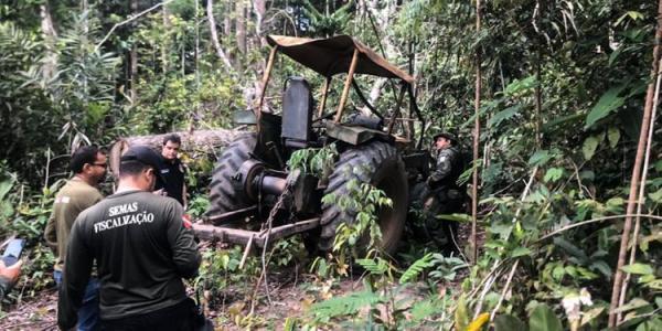 Força-tarefa apreende tratores e destrói acampamentos clandestinos em Ipixuna do Pará