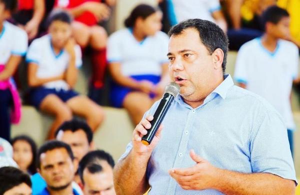 Professor Vilmones Silva