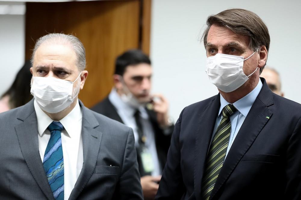 Aras e Bolsonaro: aproximação provoca revolta de parte dos membros do MPF – Foto: Marcos Corrêa/PR