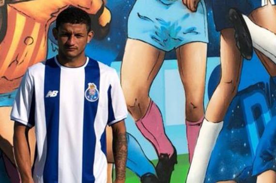 Cria do Parauapebas, atacante defende clube da Europa e joga a Champions League