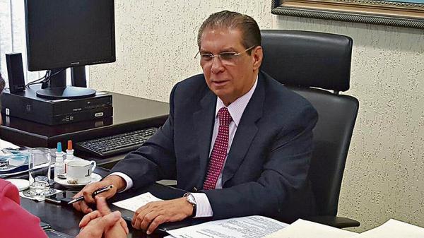 Jader comemora cursos de medicina em 4 cidades do Pará