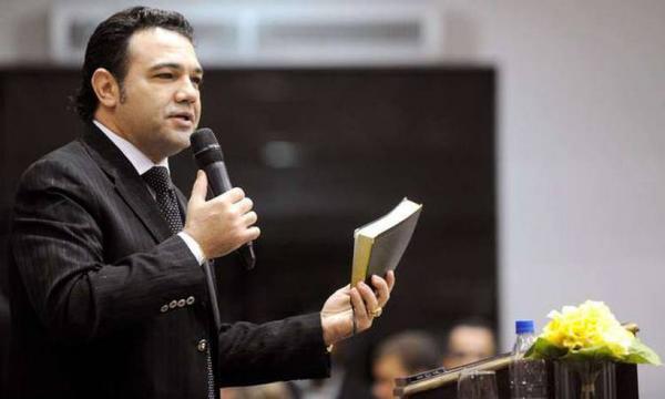 Feliciano diz que esquerdista demora pra morrer porque bala não acha o cérebro