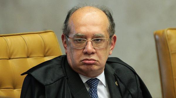 'Enfia essa pergunta na bunda', diz o ministro Gilmar Mendes a repórter