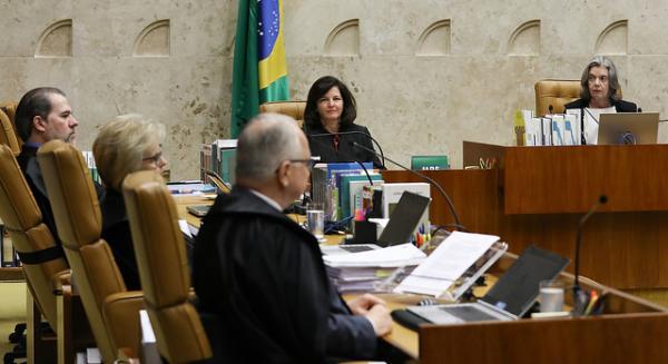 """""""Vence a estratégia"""" de Cármen Lúcia e maioria do STF nega habeas corpus a Lula"""