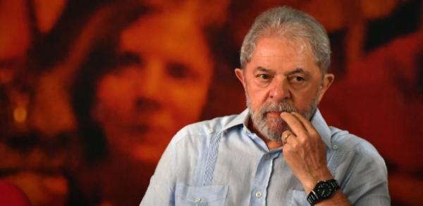 PT vê prisão iminente de Lula e faz reunião de emergência em SP