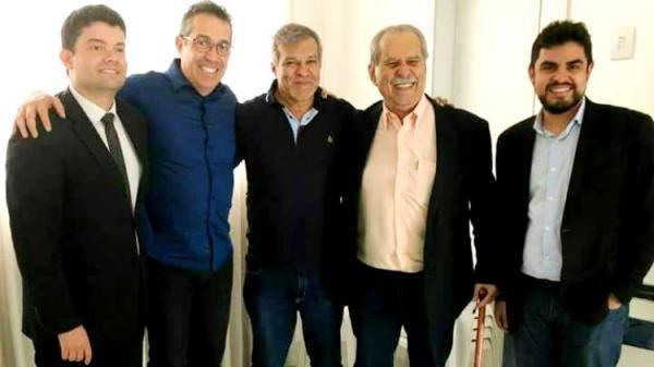 Rumores falam de Pioneiro candidato ao governo pelo PDT; Jatene e Zequinha voltam a conversar