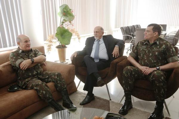 Governador recebe general que assumirá o Comando Militar do Norte