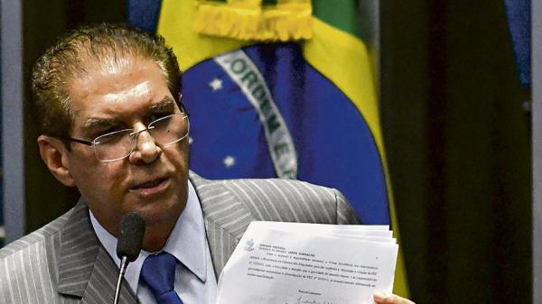 Jader defende divisão igualitária de royalties de petróleo