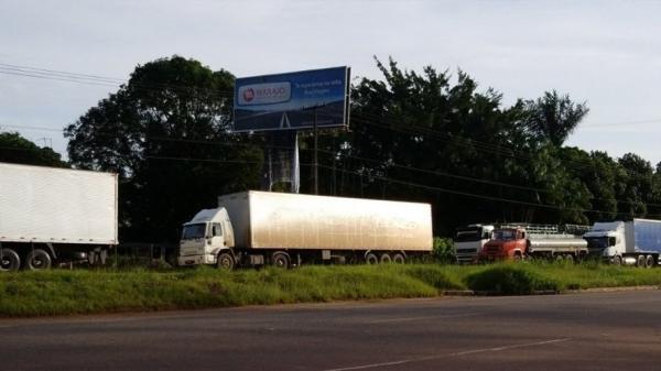 Após quase 48 horas de manifestação, caminhoneiros liberam rodovia BR-316