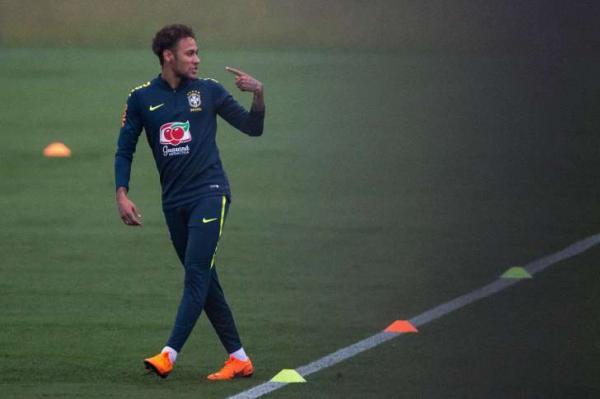 Neymar ainda é dúvida para estreia da seleção brasileira na Copa