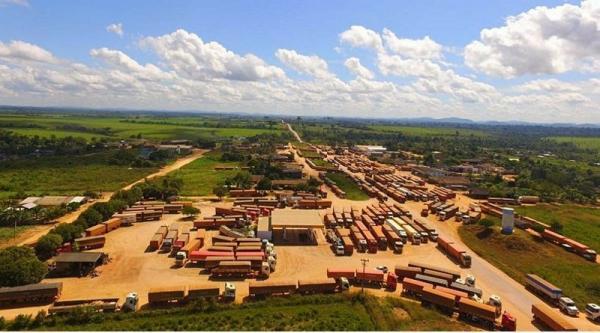 Rodovia BR 163 está bloqueada no Pará e causa reflexos na região