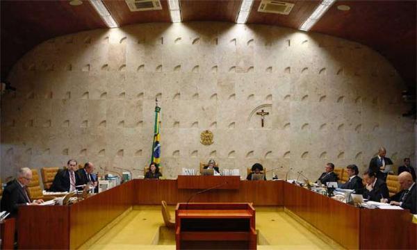 STF julga hoje validade do voto impresso e de conduções coercitivas