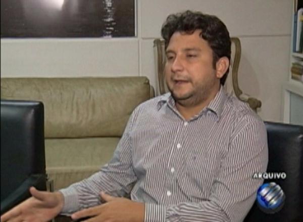 Juiz reconsidera e em menos de 24 horas prefeito de Tucuruí afastado volta ao cargo