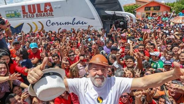 PT lança pré-candidatura de Lula e reafirma: não há plano B para vencer a crise