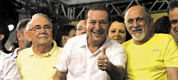 Estado derrama R$ 30 milhões da saúde em empresas da família de Márcio Miranda
