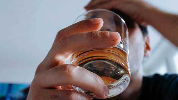 Álcool, café, abacate: veja o que pode interferir no efeito de remédios