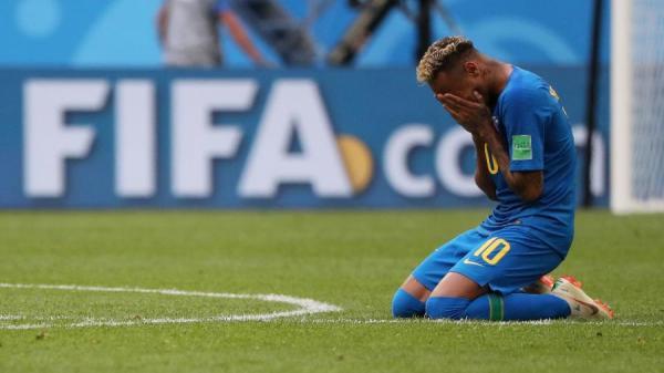 Antes líderes, Neymar e Messi despencam em casas de apostas após 2 jogos
