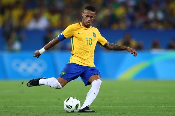 Números de Neymar já são melhores do que os de Messi e Cristiano Ronaldo em Copas
