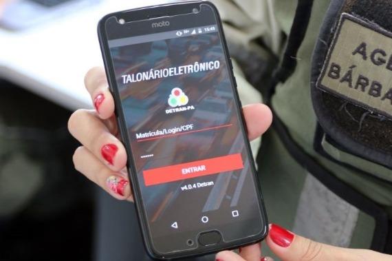 Detran começa a usar talonário eletrônico no registro de infrações