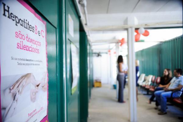 Hepatite: OMS pede urgência para ampliar testes e acesso a tratamento