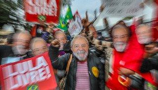 Lideranças globais denunciam prisão política de Lula, mas mídia silencia